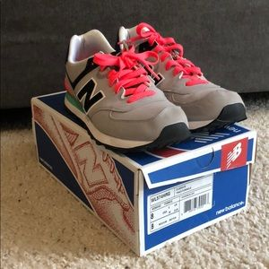 New Balance Classic 574 Shoes Women's 8 USED